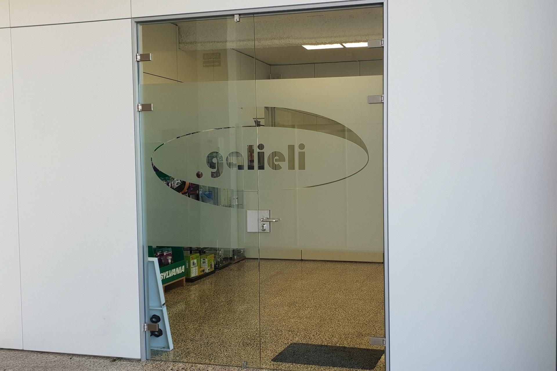 puerta principal galieli